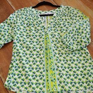 Crown & Ivy blouse v neck size petite medium